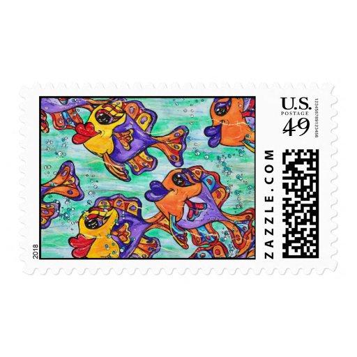 Franqueo amistoso de la escuela de los pescados sellos