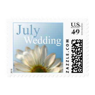 Franqueo de la invitación del boda de julio