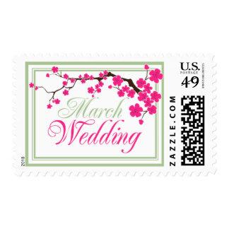 Franqueo de la invitación del boda de marzo timbre postal