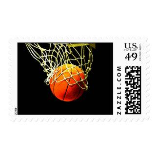 Franqueo del baloncesto y de la red