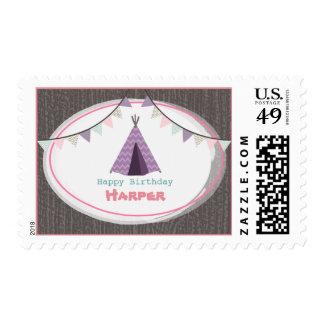 Franqueo del cumpleaños del tipi púrpura de timbres postales