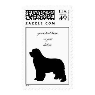 Franqueo del perro de Terranova, silueta negra