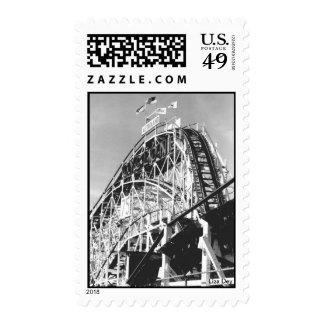 Franqueo del roller coaster 75 del ciclón (el cone