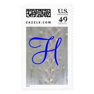 Franqueo del vestido de boda del monograma H