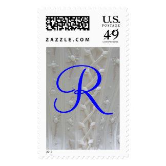 Franqueo del vestido de boda del monograma R