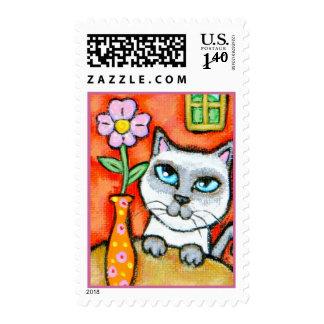 Franqueo feliz del gato siamés y de la flor sellos postales