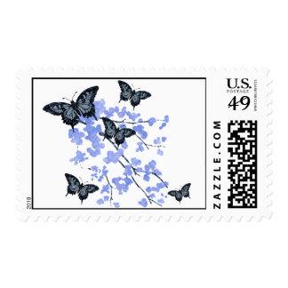 Franqueo floral azul de la mariposa sello postal