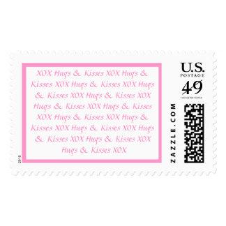 Franqueo fofo rosado de la letra de amor de los timbre postal