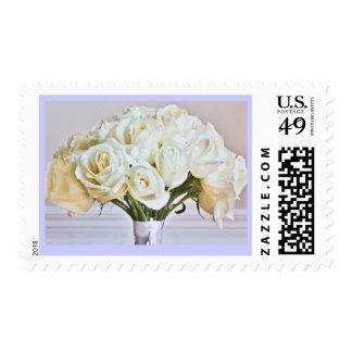 Franqueo nupcial del ramo de los rosas blancos del estampilla