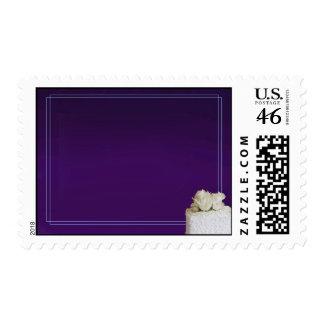 Franqueo púrpura de encargo del pastel de bodas