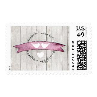 Franqueo púrpura de madera rústico del Lovebird de Sello Postal