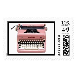 Franqueo rosado de la máquina de escribir del