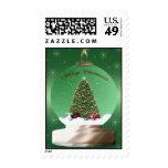 Franqueo verde del globo del árbol de navidad