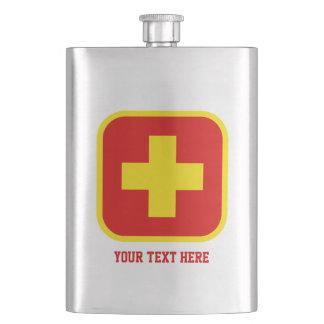 Frasco de la bebida de la emergencia con el texto petaca