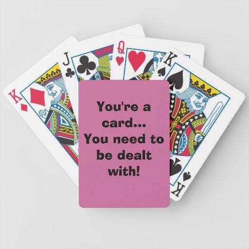 Frase divertida en la cubierta de tarjetas barajas de cartas