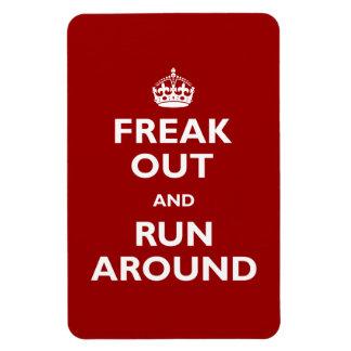 Freak hacia fuera y corra alrededor imán de vinilo