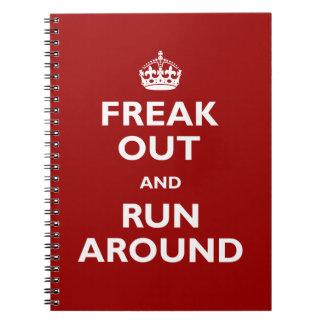Freak hacia fuera y corra alrededor libro de apuntes con espiral