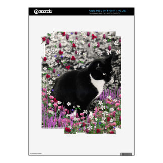 Freckles in Flowers II - Tux Cat iPad 3 Skins