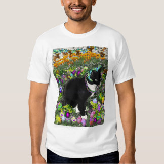 Freckles, Tux Cat, in the Hunt for Easter Eggs T Shirt
