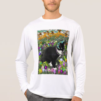 Freckles, Tux Cat, in the Hunt for Easter Eggs Tshirt