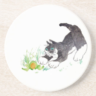 Fred the cat Has Found a Hoppy Thing Beverage Coasters