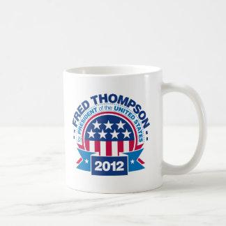 Fred Thompson para el presidente 2012 Taza Básica Blanca