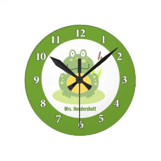 Freddy el reloj de pared de la rana - verde