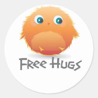 Free hugs small furry creature classic round sticker