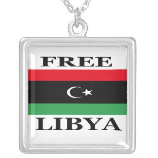 FREE LIBYA SQUARE PENDANT NECKLACE