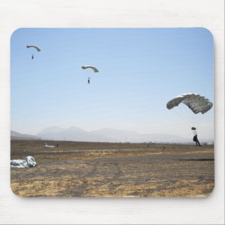 Freefall parachute jumpers mouse pad