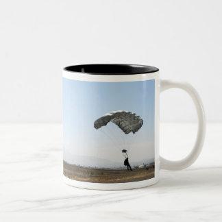 Freefall parachute jumpers Two-Tone coffee mug