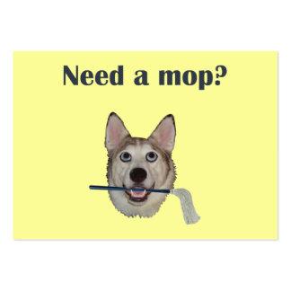 Fregona de la necesidad del humor del pis del perr tarjetas de negocios