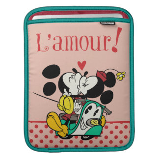 French Mickey | Mickey and Minnie Kissing Sleeve For iPads