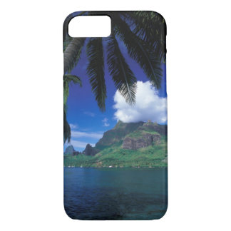 French Polynesia, Moorea. Cooks Bay. Green iPhone 8/7 Case