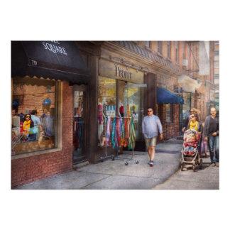 Frente de la tienda - Hoboken, NJ - gente Comunicado