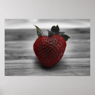 Fresa roja brillante en el poster de la foto de B&