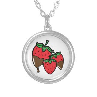 Fresas de la inmersión del chocolate colgante redondo