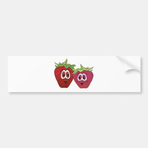 Fresas del dibujo animado etiqueta de parachoque