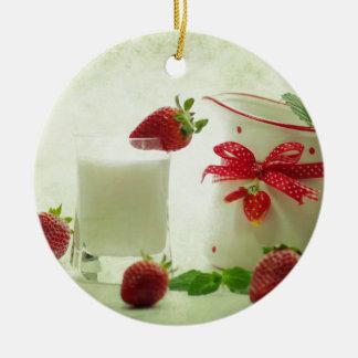 Fresas frescas en el estilo de casal adorno navideño redondo de cerámica