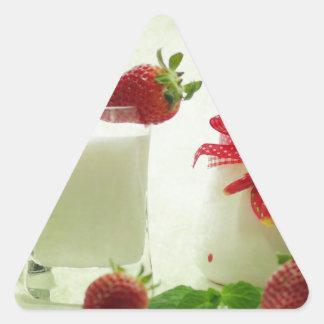 Fresas frescas en el estilo de casal pegatina triangular