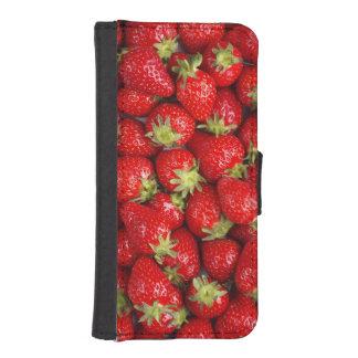 Fresas rojas brillantes funda billetera para teléfono