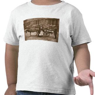 """¡""""Fresas - todo maduras, todo maduro! """", 1876-78 Camiseta"""