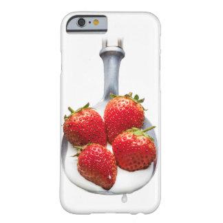 Fresas y crema funda para iPhone 6 barely there