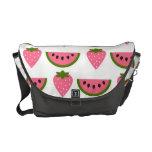 Fresas y la bolsa de mensajero de la sandía bolsa messenger