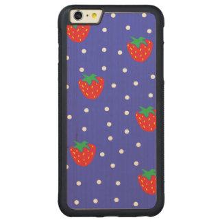 Fresas y lunares azul marino funda de arce bumper carved® para iPhone 6 plus