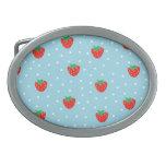 Fresas y lunares azules hebilla de cinturón oval