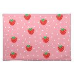 Fresas y rosa de los lunares mantel