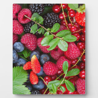 Fresh berries plaque