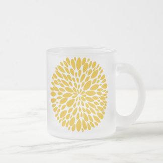 Fresh Modern Abstract Chrysanthemum Glass Mug