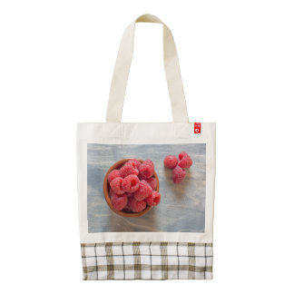 Fresh raspberries in a bowl zazzle HEART tote bag